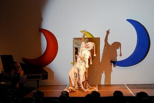 Isabel Karajan –Schauspielerin Peter Maxwell Davies: 8 Songs for a Mad King, Schauspielerin: Isabel Karajan, Regie: Klaus Ortner, Foto: Giovanni Ausserhofer