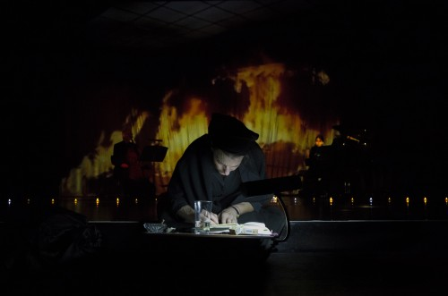 Isabel Karajan –Schauspielerin Die Feuerprobe, Regie: Julian Pölsler, Rezitation: Isabel Karajan, Foto: Elia Roman